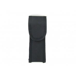 single .22 magazine pouch front closed